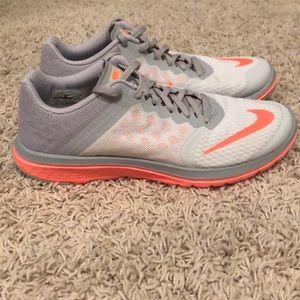 Nike FS Lite Run 3 women's stunning shoes 10